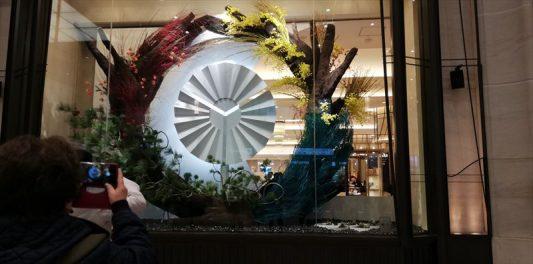 阪急百貨店うめだ本店ショーウィンドウにて2020/01/11撮影~3